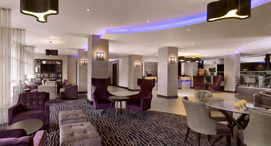 DoubleTree by Hilton Woking Lounge